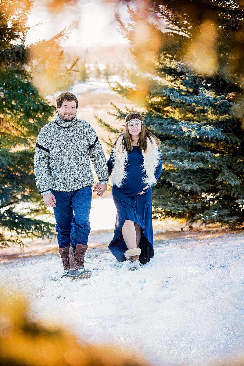 Winter Maternity Session are magic Nathalie Terekhova family photographer Calgary