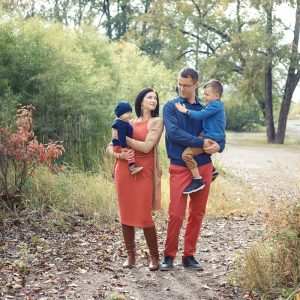 Calgary fall family sessions in the Pearce estate park with autumn themed outfits