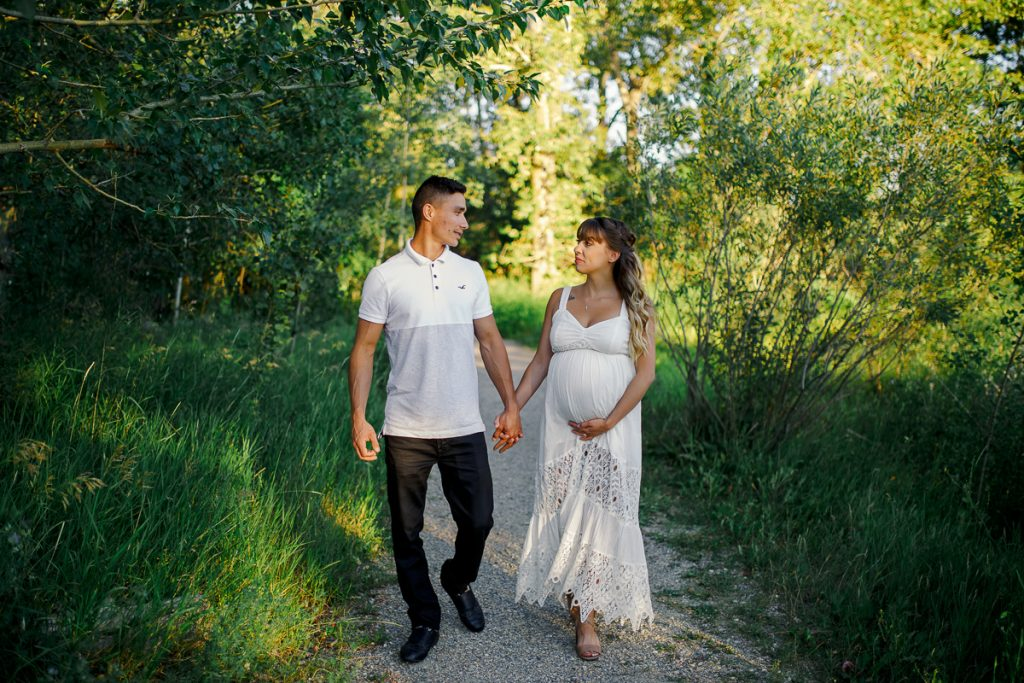 Maternity sessions in Calgary parks Nathalie Terekhova photographer