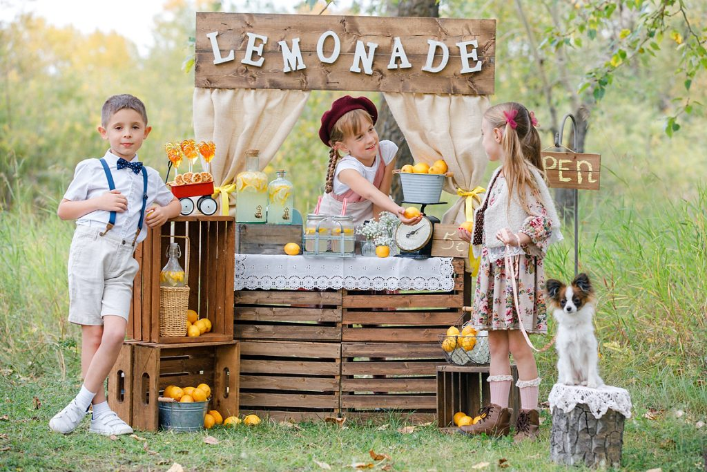 Lemon stand themed session