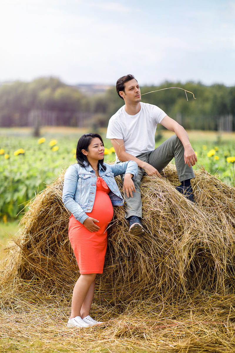 Maternity session for couples